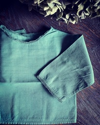 Baby shirt-green lace1